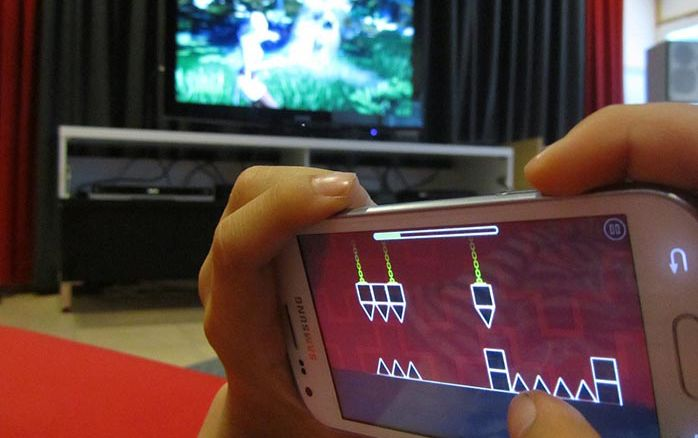 How To Limit Screen Time For Your Children (1)