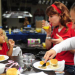 5 Ways to Enjoy Eating at Restaurants with Kids (2)